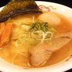 志奈そば 田なか - スープの濃さ:3のアジ煮干し&イワシ煮干出汁