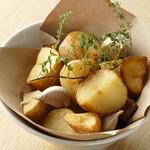 エロうま野菜と肉バル カンビーフ - マチルダのフライドポテテト!静岡&博多のフリッツフリッツとのコラボ商品!