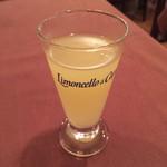 タルトゥーカ - 食後酒のリモンチェッロ