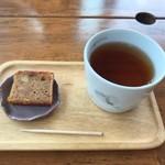 とちの実カフェ - お茶菓子