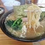 巓 - 酒井製麺の麺(かため)