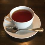 57480622 - 色が出てすぐ茶葉を取ってしまったのか紅茶の香り・味が少なすぎる紅茶