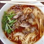 57483524 - 中華そば大700円 麺の流れが美しい