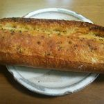 パン工場 - 料理写真:北海道産小麦のガーリックフランス226円(税込)