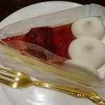 コーヒープラザ 壹番館 - イチゴのケーキ。