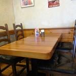 オールド ヒッコリー - テーブル席