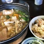 ほうとう処 慶千庵 - 肉ほうとう と 舞茸ご飯