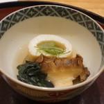 日本料理 太月 - はすいもの湯葉巻き、蝦夷の蒸しアワビ
