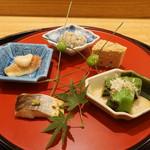 日本料理 太月 - 八寸:蛸の子、鶏の松風、いちぢくの酒蒸し    銀杏、万願寺唐辛子、かますの酒蒸し