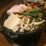 旨唐揚げと居酒メシ ミライザカ - イベリコ豚のキムチチゲ鍋