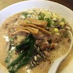 中華 つけ麺 はるき - 豚骨醤油ラーメン