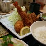 とんかつ 井泉 - レディース御膳のお皿