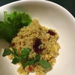 オルオルカフェ - 有機キヌアのサラダ