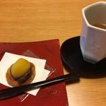 翠山亭倶楽部定山渓 - 到着時:和菓子とハーブティーでのおもてなし