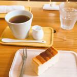 まめなカフェ - 紅茶(HOT)/ベイクドチーズケーキ