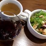 57515069 - パスタランチのサラダと、フリードリンク&スープ