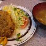 キッチンABC - メンチカツ・味噌汁