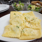 イオンリカー - ほうれん草とリコッタチーズのラビオリ