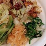 珠杏 - 鶏とナムルの丼
