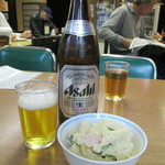 みなとや食堂 - 瓶ビール(中瓶 550円)とポテトサラダ