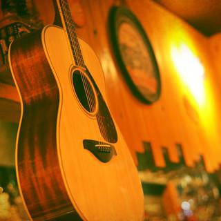 店内にギター♪