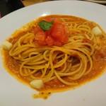 フルーツピークス - トマトとチーズのパスタ