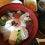 米屋 - 海鮮丼(1100円)