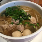 スパイシー・タイ - タイの汁麺