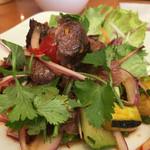 スパイシー・タイ - 牛と野菜のオイスター炒め