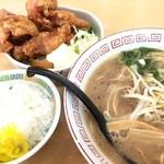 ひろっちゃん - 料理写真:中華そば中、セット唐揚げ、ごはん小で千円=上顎火傷で満足