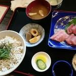 かどや食堂 - しらす丼とお刺身定食