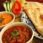 印度料理シタール - ペアカレーセットは平日17:00~限定の人気メニュー。