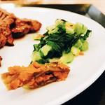 57599000 - 唐辛子の味噌漬けをかじりながら牛タン食べますよ!!