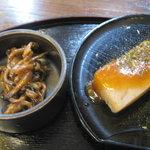 5761125 - 蒟蒻田楽とシメジ佃煮