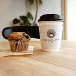 Daily Coffee Stand - ホットコーヒーとブルーベリーのマフィン