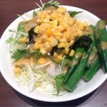 マルゲリータ姫 - 食べ放題のサラダ
