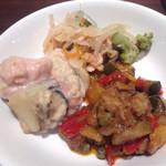 マルゲリータ姫 - 食べ放題の前菜、若鶏のクリーム煮・カポナータ・カルピオーネ