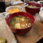 ロッジ ヌタプカウシペ - 料理写真:味噌汁とご飯が美味いんだ。