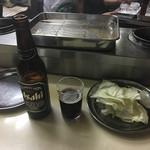 串かつ百百 - 此処ではいつも黒ビールの小瓶。