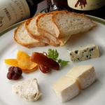 ルコックロティ - チーズ盛り合わせ