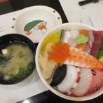 江戸前 びっくり寿司 - 海鮮ちらし?(大盛り)