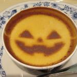 ドトールコーヒーショップ - かぼちゃおばけのムースケーキ 390円