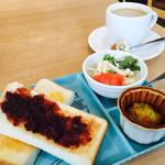 イチモ - ブレンドコーヒー400円とAセットの小倉トースト