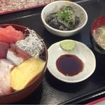 おやじのきまぐれ食堂 - 海鮮丼  1000円