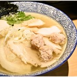 麺匠 清兵衛 - 特選淡麗とりそば 980円 魚介と鶏の旨味がバランスよく♪