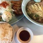 あづまラーメン - ラーメン定食(850円)
