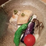 57656295 - (2016年10月 訪問)霧島豚のやわらか塩角煮、850円。丁度良い塩梅の味付け、柔らかさも充分で繊細な角煮でした。