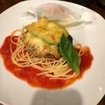 カフェ モカ - 料理写真:アボカドとチーズのハンバーグ