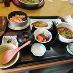サガミ - 釜飯定食(ズワイガニ)