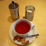 シェ リュック - セットの紅茶(小菓子付き)